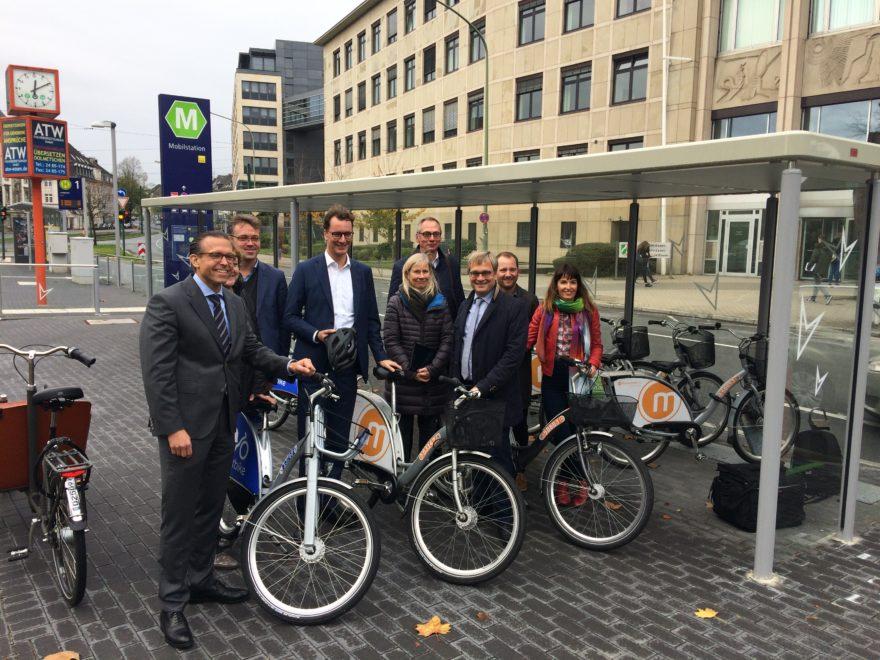 Gruppenfoto Hendrik Wüst Verkehrsminister NRW